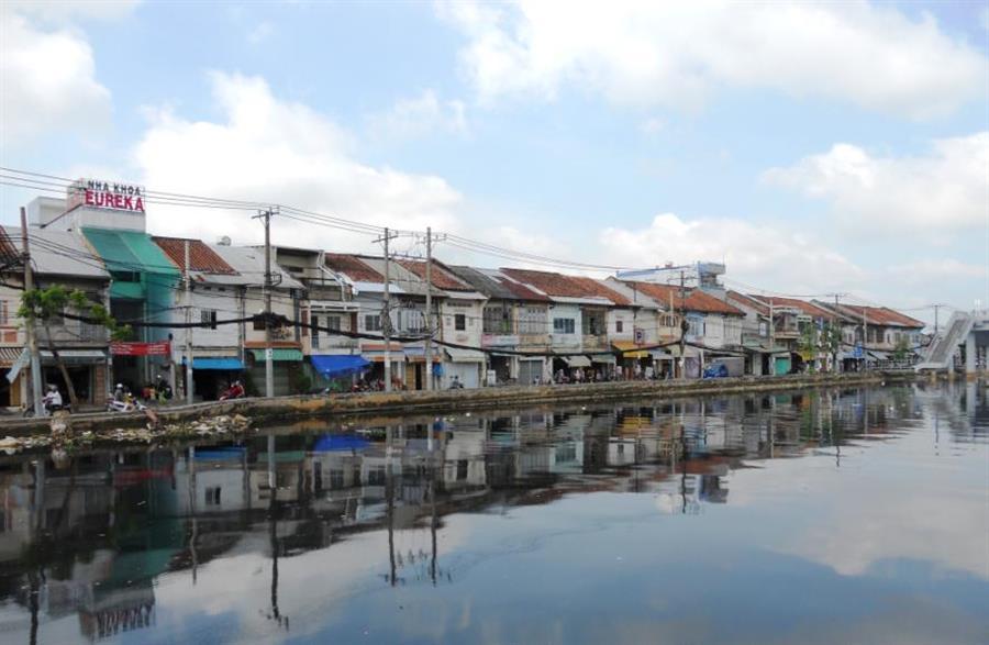 Hình ảnh đẹp Bán máy phun sơn ở quận 8 TPHCM