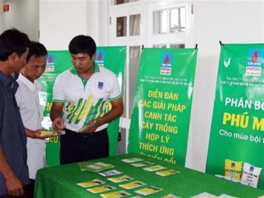 PVFCCo hỗ trợ nông dân chuẩn bị vụ Hè Thu : Tin tức