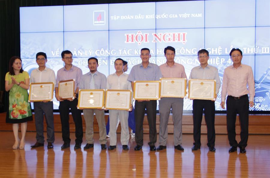 Hình ảnh đẹp Tập đoàn Dầu khí Việt Nam tổ chức Hội nghị chuyên đề về cách mạng công nghiệp 4.0